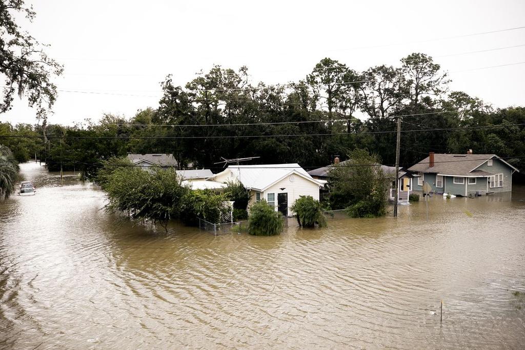 Florida sau sieu bao the ky Irma: Toi tam, lut loi va do nat hinh anh 5