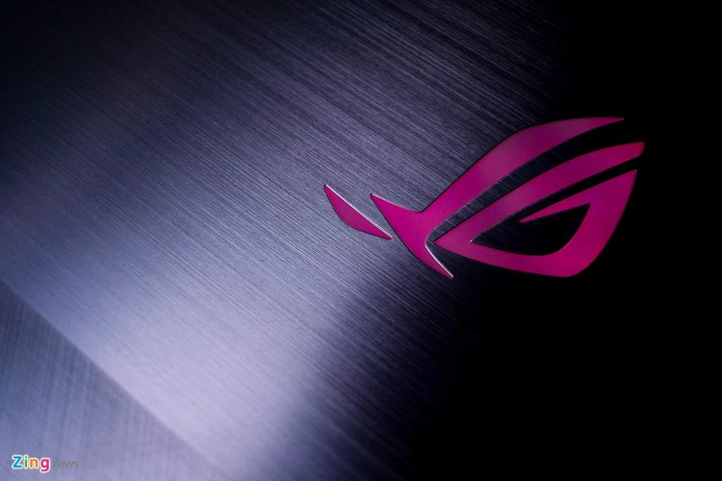 Asus ROG Strix SCAR II - laptop gaming cho xa thu gia 44,5 trieu hinh anh 2