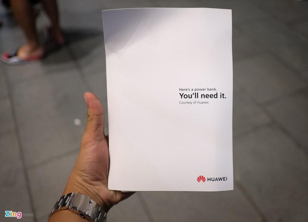 Huawei bat ngo phat qua cho nguoi cho mua iPhone XS o Singapore hinh anh 5