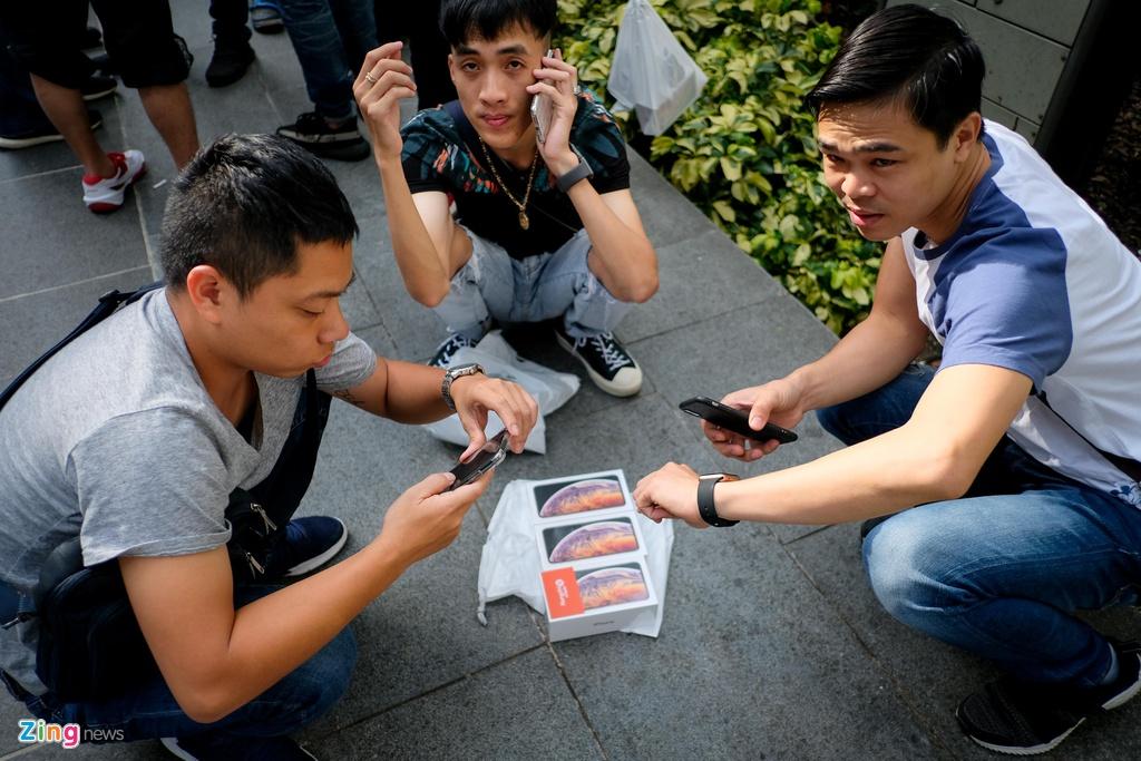 Apple Store thanh 'cho troi' mua ban iPhone XS cua nguoi Viet hinh anh 8