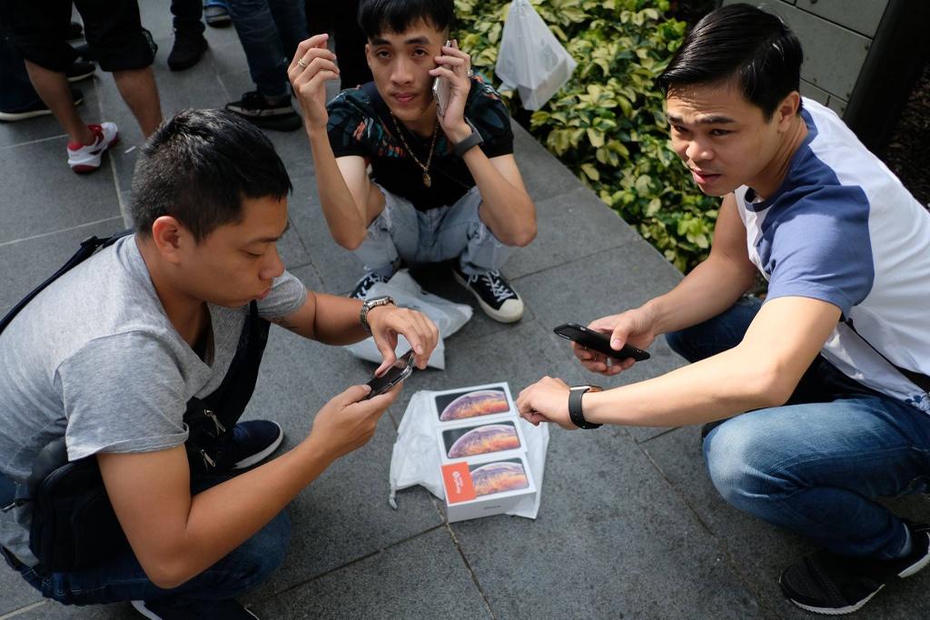 iPhone 12 có thể là hồi kết của điện thoại xách tay Việt Nam