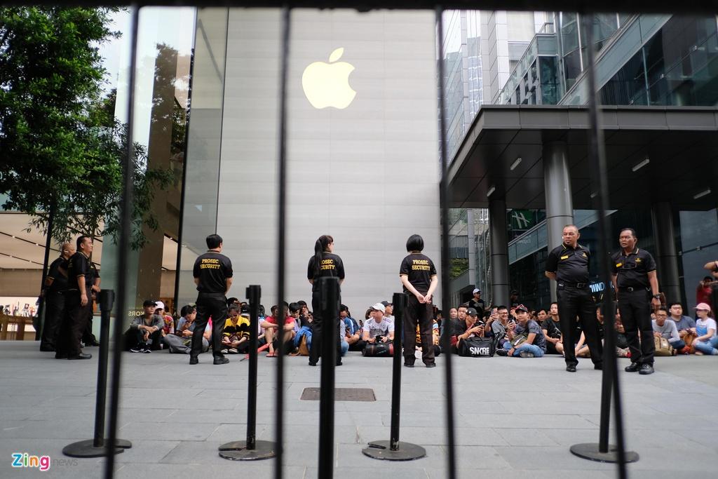 Thai Lan co Apple Store, nguoi Viet miet mai xep hang den bao gio? hinh anh 12