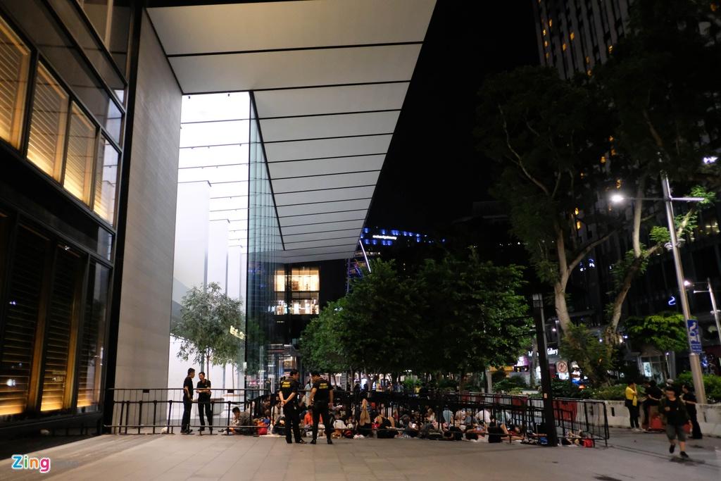 Thai Lan co Apple Store, nguoi Viet miet mai xep hang den bao gio? hinh anh 6