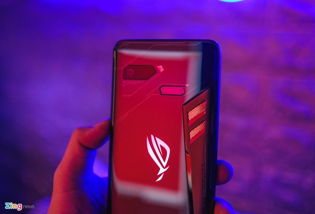 Danh gia ROG Phone - smartphone chuyen game co dang mua? hinh anh 1