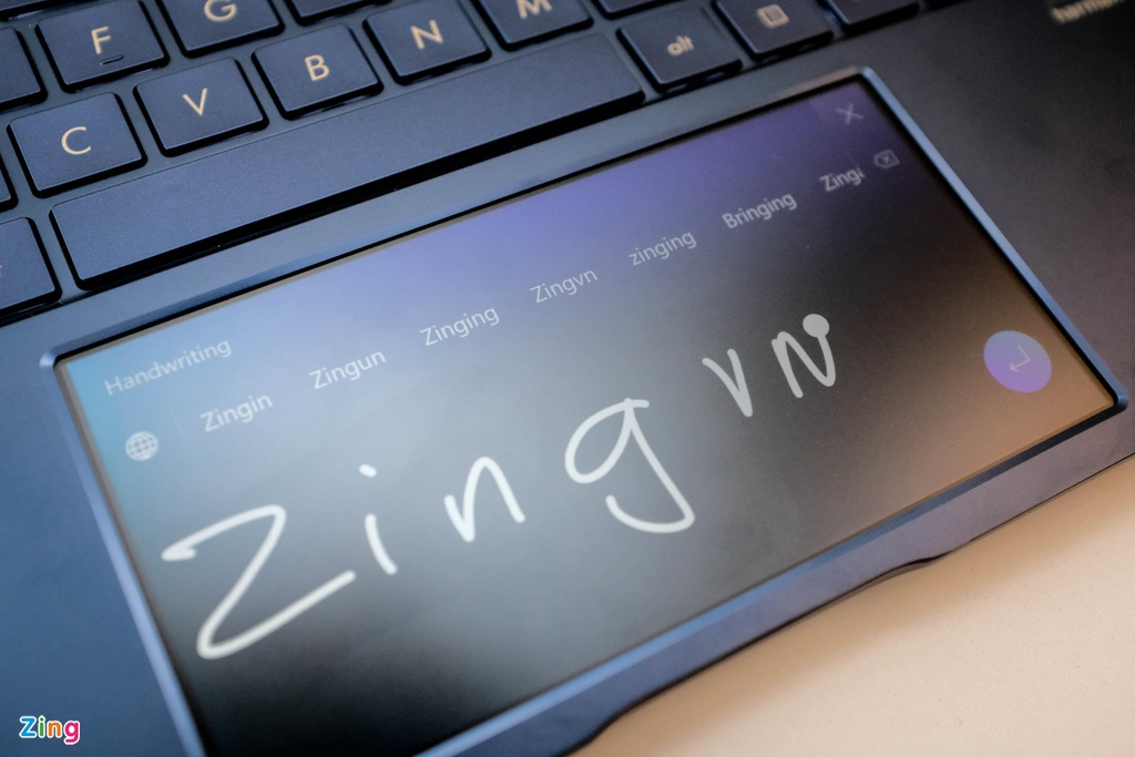 Anh chi tiet Asus New Zenbook - laptop co touchpad thu vi hinh anh 4