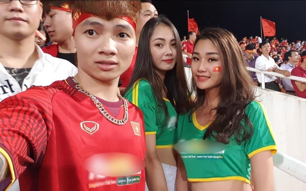 Sau Kha Banh, Tram Anh, ai dang quang ba co bac online o Viet Nam? hinh anh 2