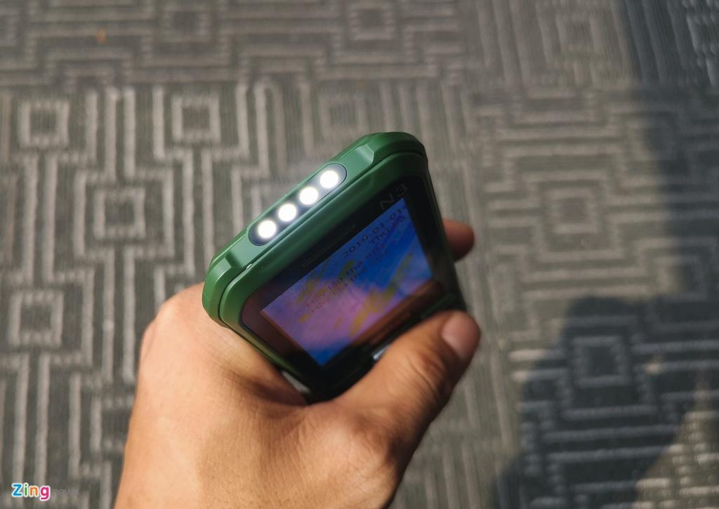 Asanzo ra mat smartphone gia 2,5 trieu dong hinh anh 8