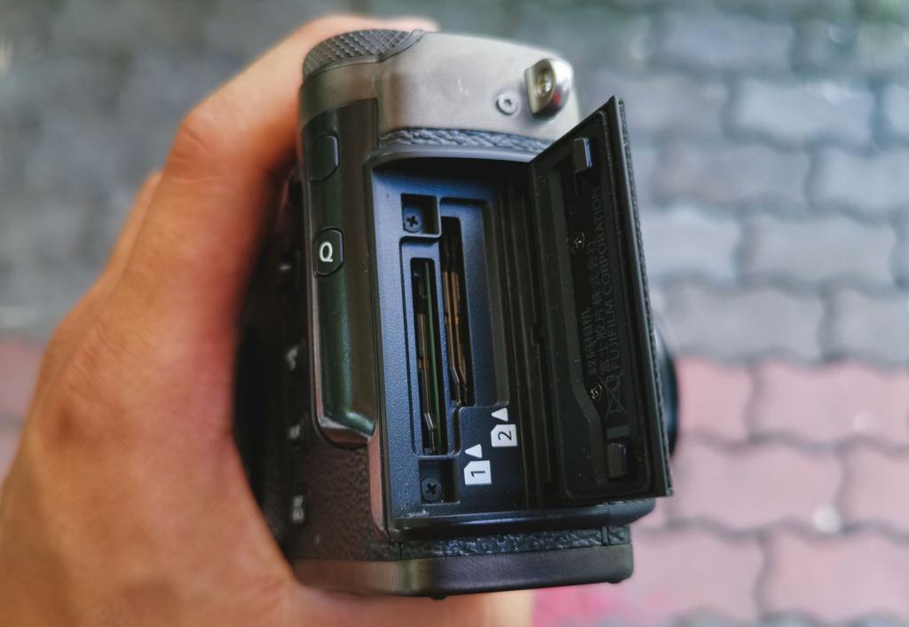 Danh gia Fujifilm X-Pro3 - chi fan cung moi mua hinh anh 4