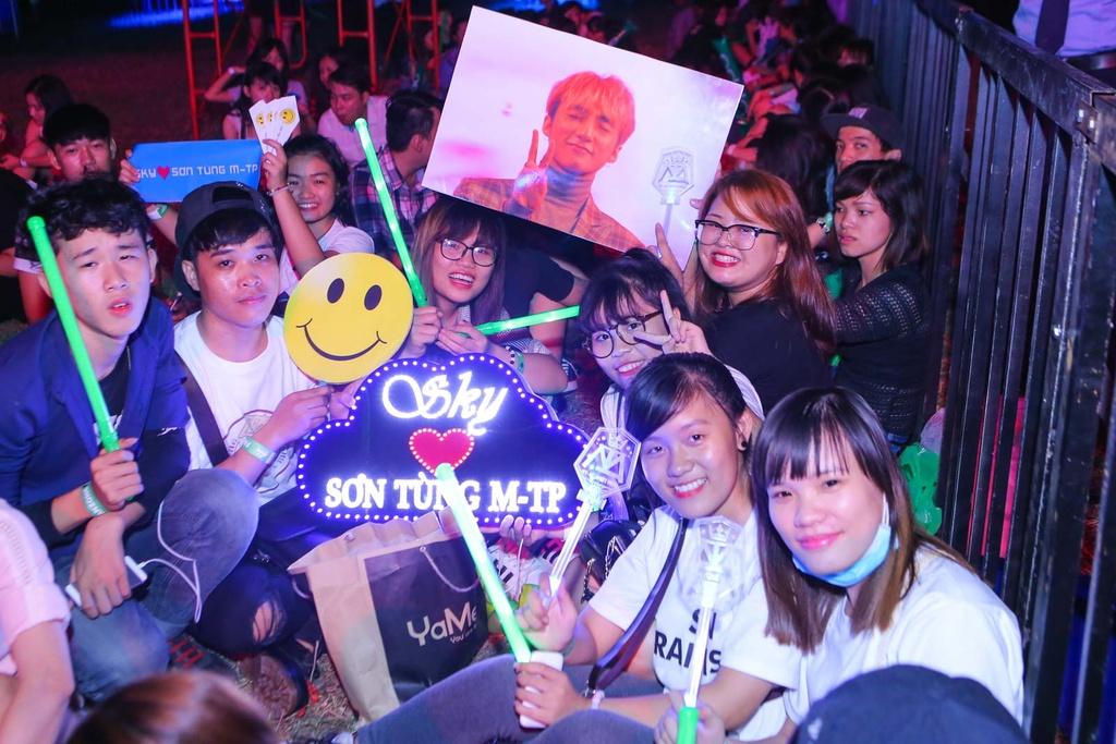 Thieu Bao Tram toi xem live show cua Son Tung hinh anh 15