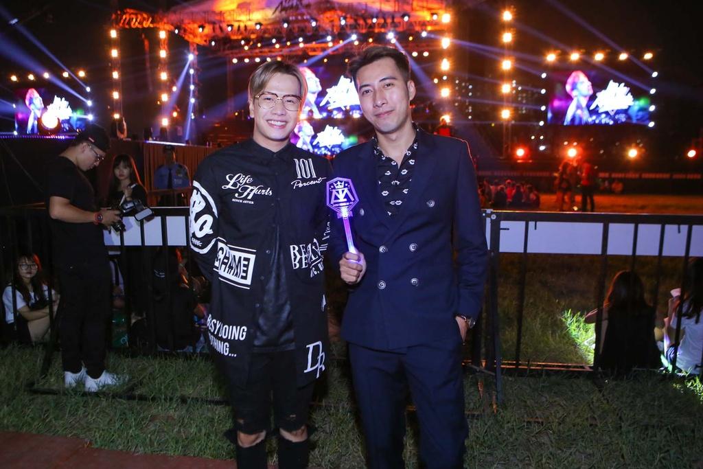Thieu Bao Tram toi xem live show cua Son Tung hinh anh 13