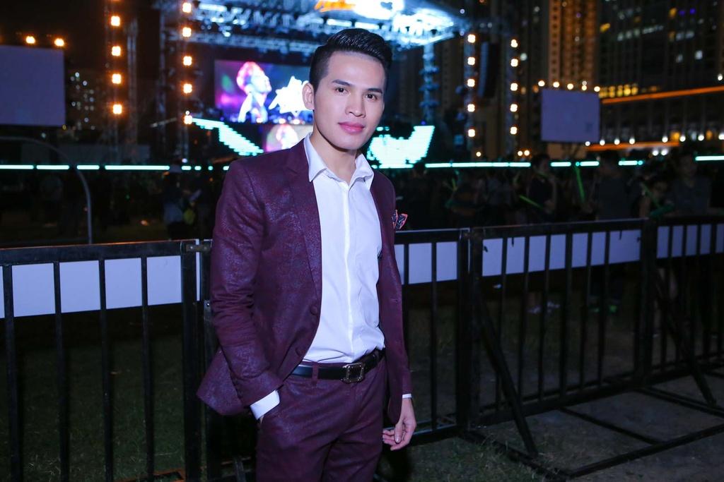 Thieu Bao Tram toi xem live show cua Son Tung hinh anh 10