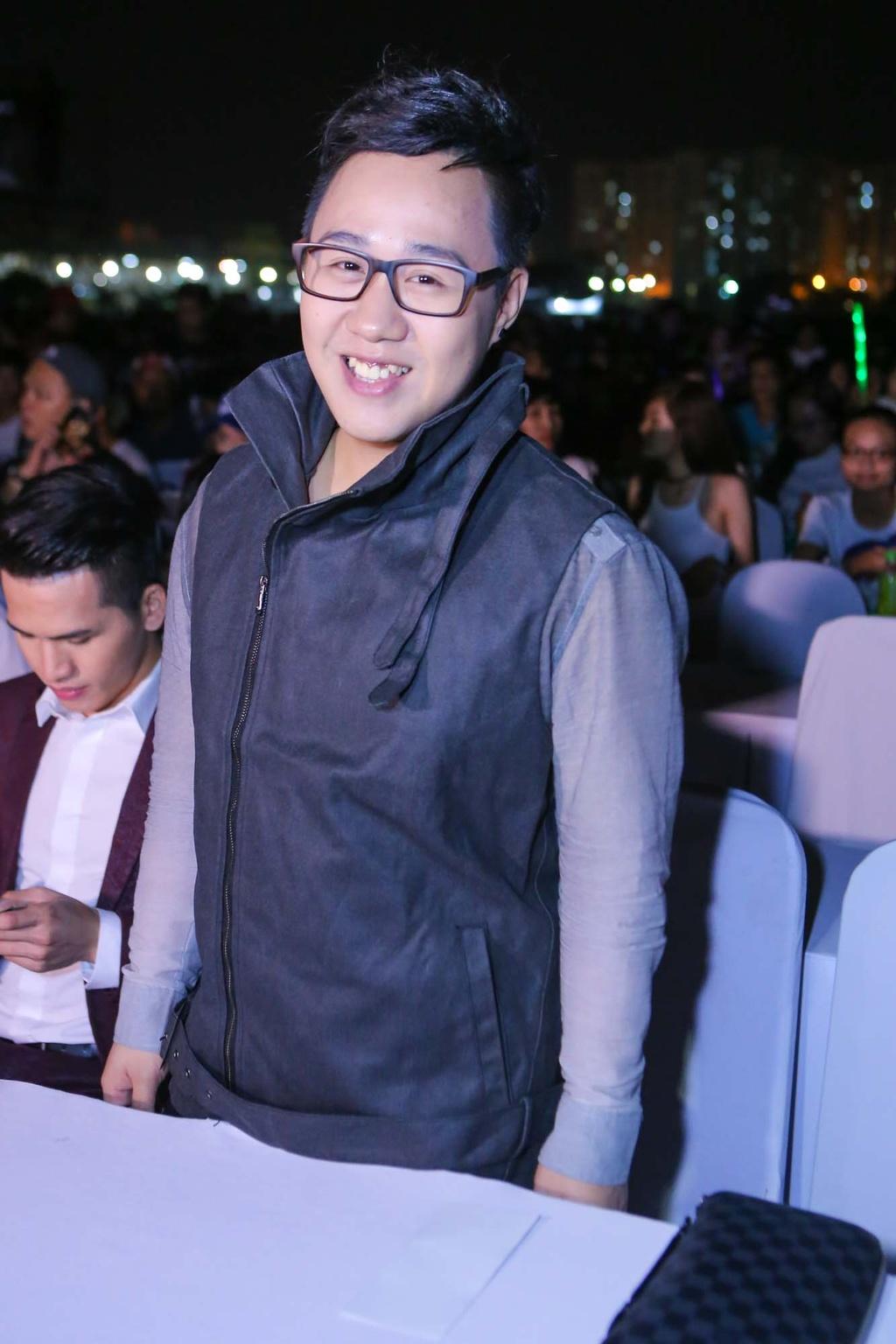 Thieu Bao Tram toi xem live show cua Son Tung hinh anh 11