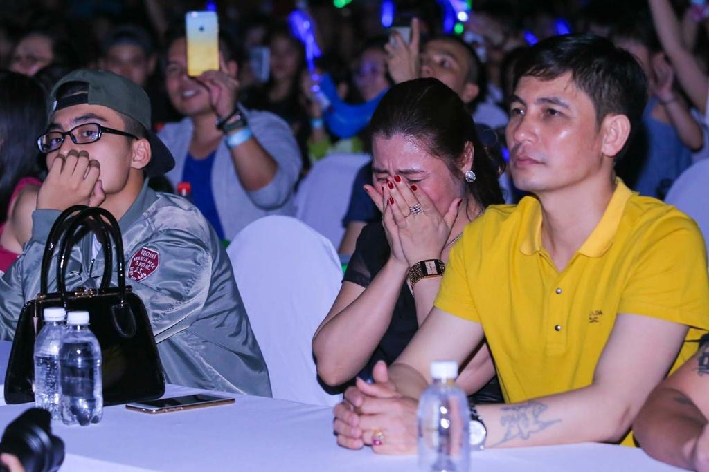 Thieu Bao Tram toi xem live show cua Son Tung hinh anh 4