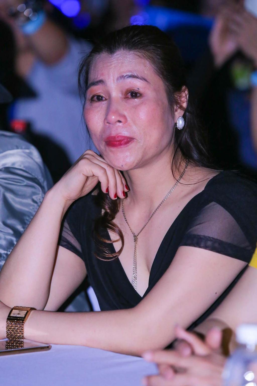 Thieu Bao Tram toi xem live show cua Son Tung hinh anh 5