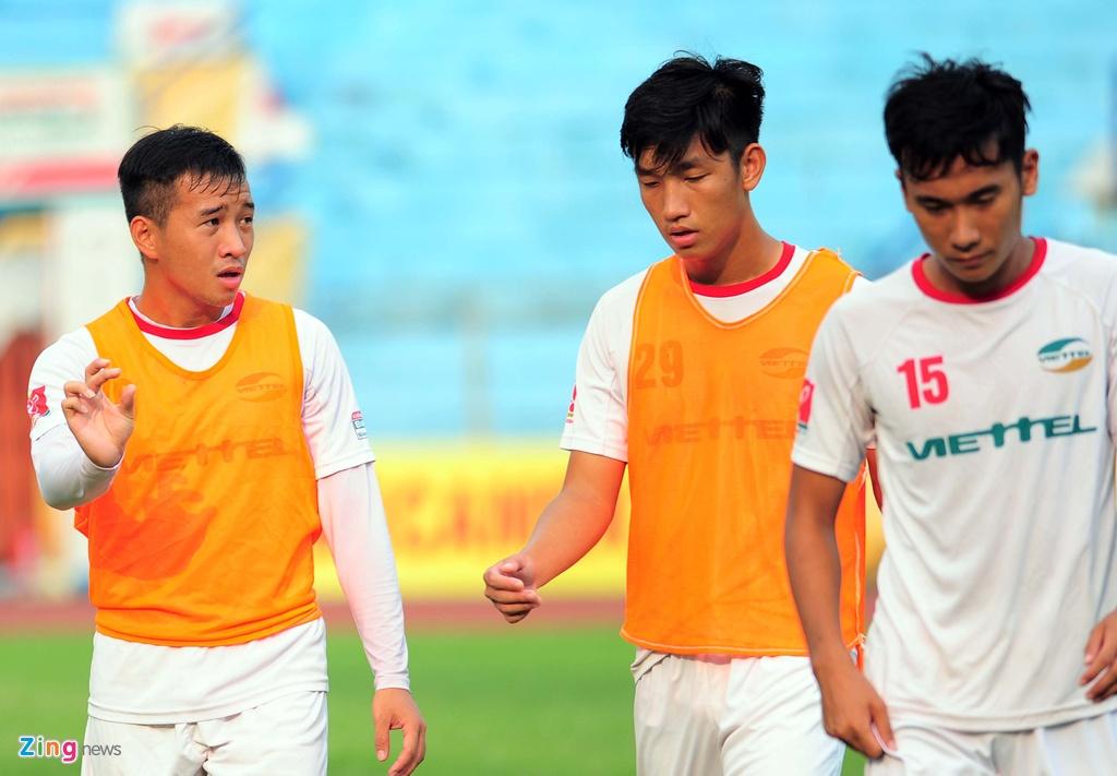 Hau due The Cong vat suc cho thang hang V.League hinh anh 9