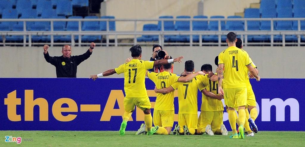 Van Quyet lap sieu pham, Ha Noi hoa tran dau AFC Cup hinh anh 4
