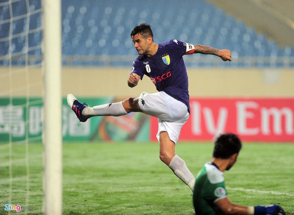 Thang 4-0, Gonzalo van an mung kieu Dinh Luat hinh anh 1