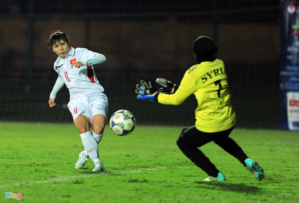 Tuyen nu Viet Nam an mung nhe nhang khi thang Syria 11-0 hinh anh 8