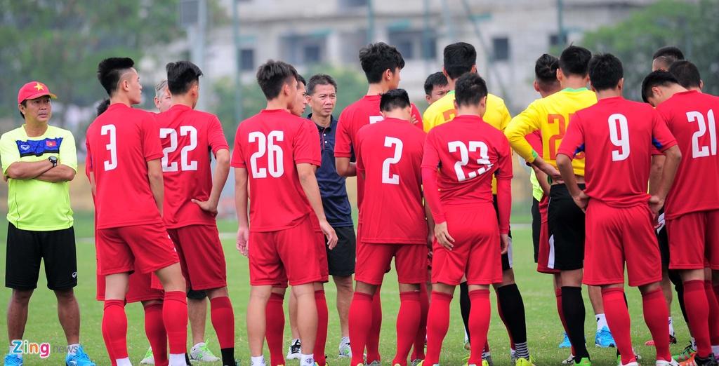 HLV U20 Viet Nam khien cac hoc tro 'meo mat' vi tap nang hinh anh 2