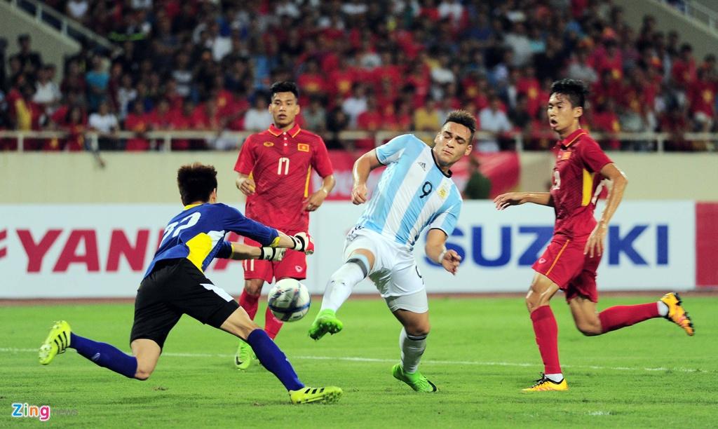 Cong Phuong, Tuan Anh duoc U20 Argentina 'khai sang' ve bong da hinh anh 7