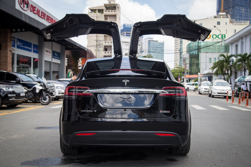 Tesla Model X - SUV chay dien dau tien tai Sai Gon hinh anh 8