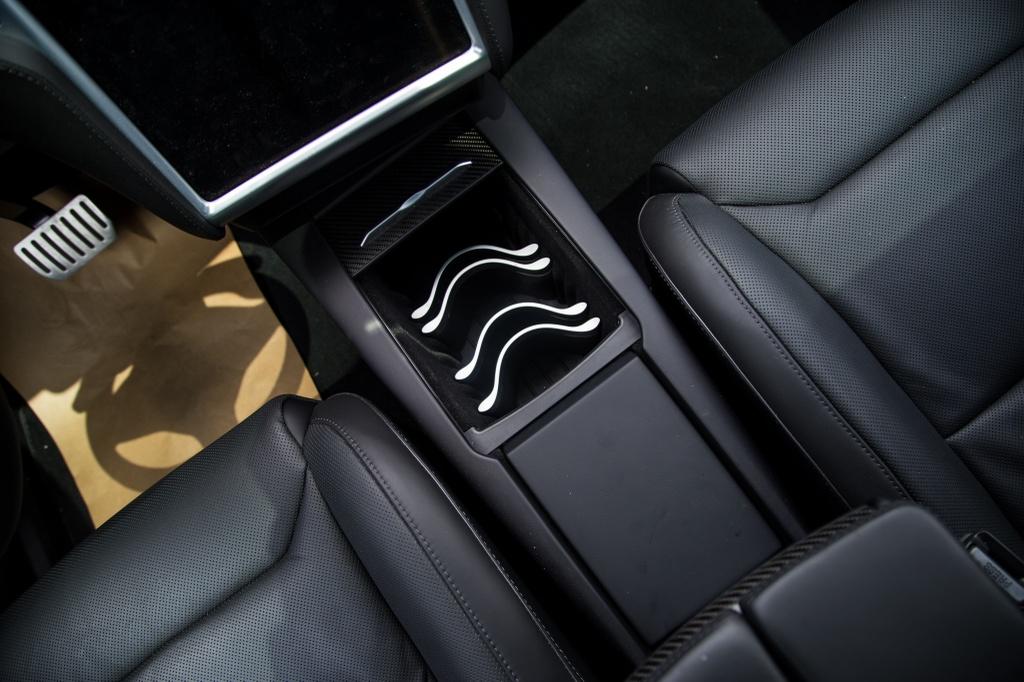Tesla Model X - SUV chay dien dau tien tai Sai Gon hinh anh 13