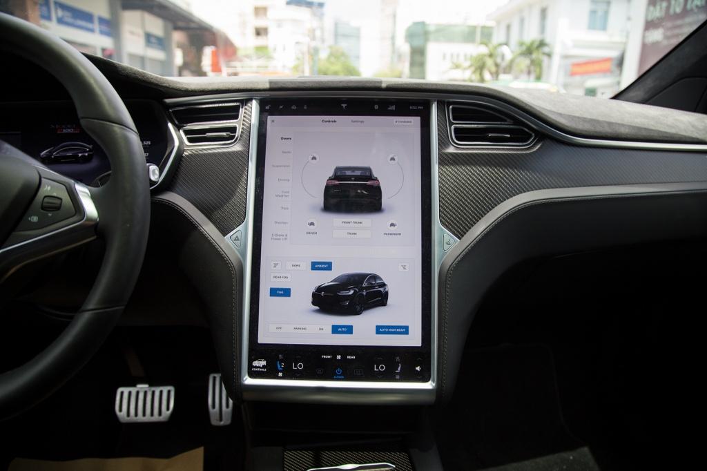 Tesla Model X - SUV chay dien dau tien tai Sai Gon hinh anh 10