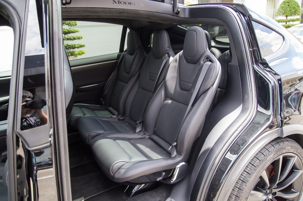 Tesla Model X - SUV chay dien dau tien tai Sai Gon hinh anh 14