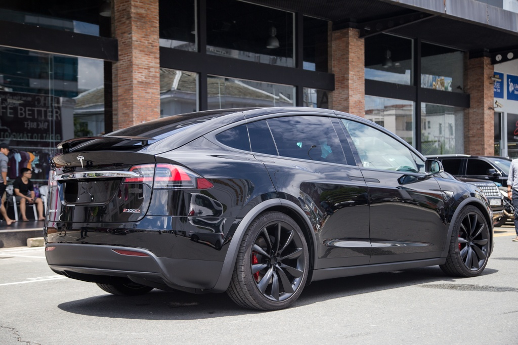 Tesla Model X - SUV chay dien dau tien tai Sai Gon hinh anh 5