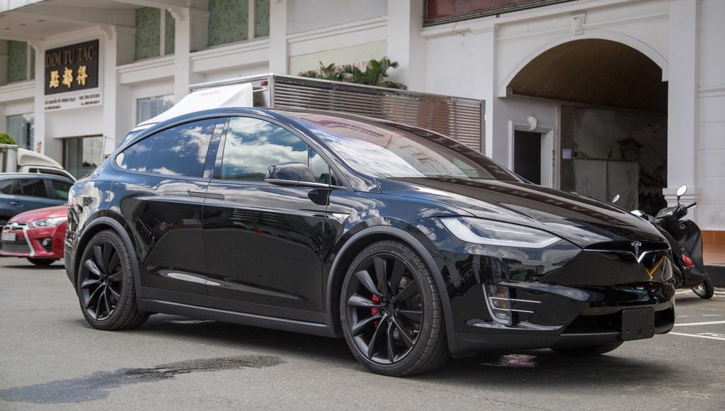Tesla Model X - SUV chay dien dau tien tai Sai Gon hinh anh 6