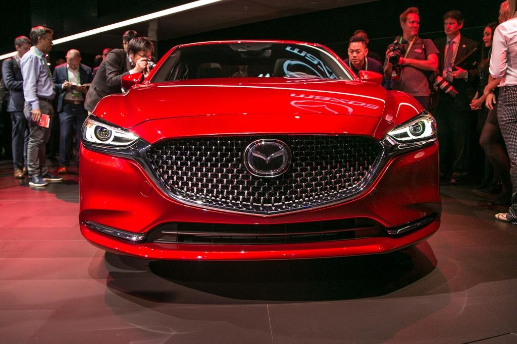 Mazda6 2018 ra mat, doi dau Toyota Camry hinh anh 2