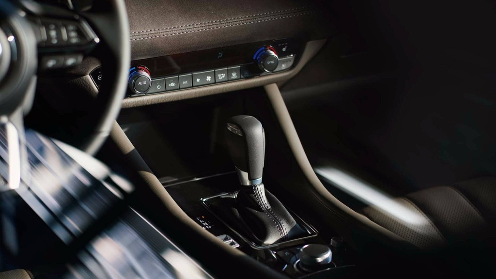 Mazda6 2018 ra mat, doi dau Toyota Camry hinh anh 7
