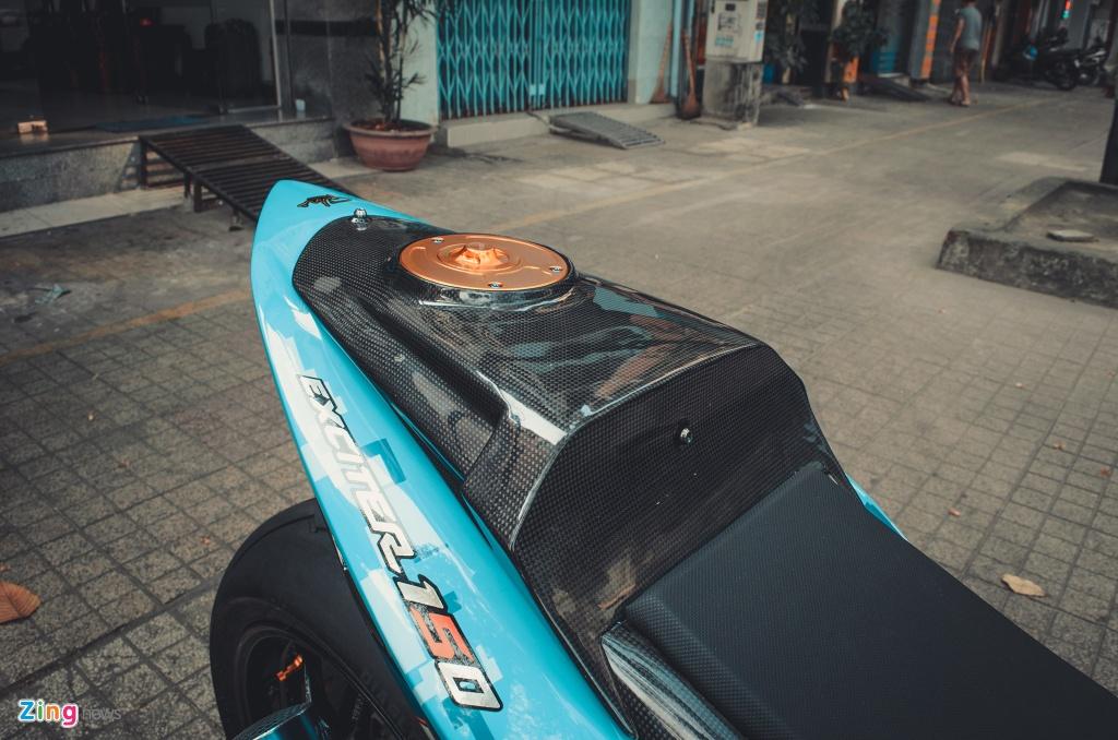 Yamaha Exciter do hang tram trieu dong theo phong cach BMW S1000RR hinh anh 8
