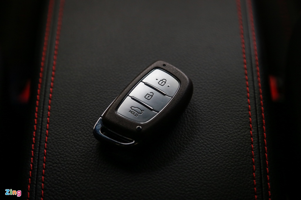Chi tiet Hyundai Elantra Sport gia 729 trieu dong tai Viet Nam hinh anh 11