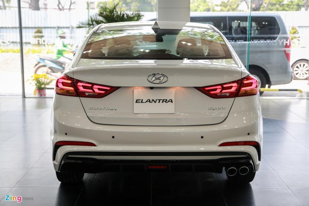 Chi tiet Hyundai Elantra Sport gia 729 trieu dong tai Viet Nam hinh anh 5
