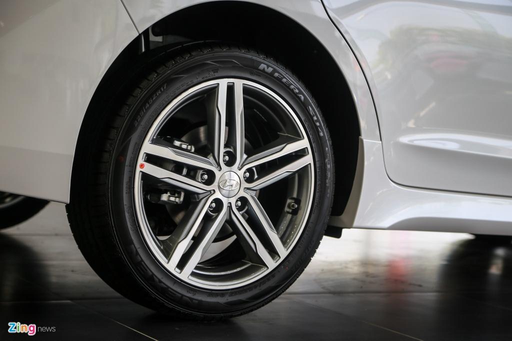 Chi tiet Hyundai Elantra Sport gia 729 trieu dong tai Viet Nam hinh anh 4