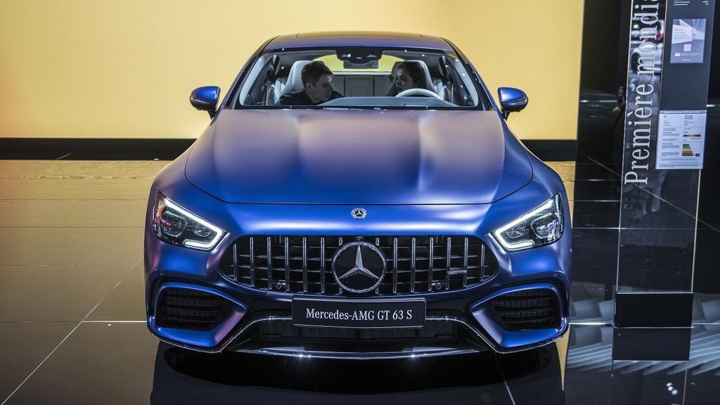 Mercedes-Benz AMG GT 4 cua - doi thu moi cua Porsche Panamera hinh anh 3
