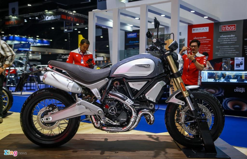 Ducati Scrambler 1100 ra mat anh 2