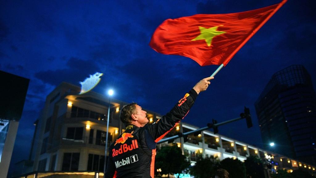 Nhung su that thu vi phia sau chiec xe dua F1 den Viet Nam hinh anh 12