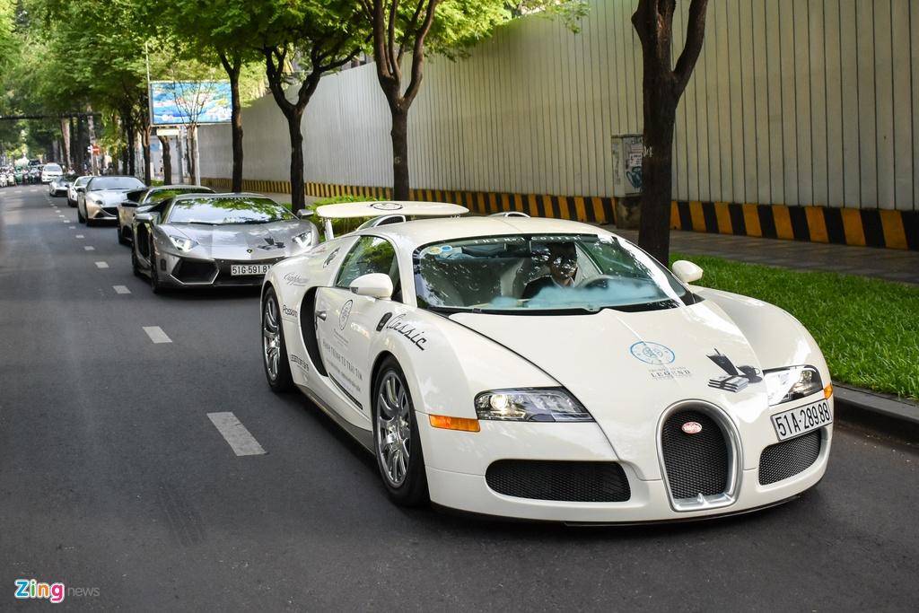 Sieu xe trieu USD cua ong Dang Le Nguyen Vu noi duoi tren pho SG hinh anh 3