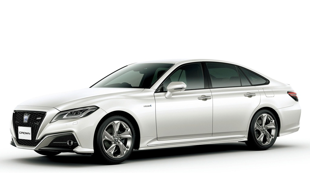 Toyota Crown 2018 - khi hang binh dan san xuat sedan hang sang hinh anh 1