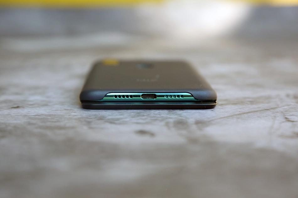 Chi tiet Xiaomi Mi Mix 3 - man hinh tran vien, camera truot bang tay hinh anh 8