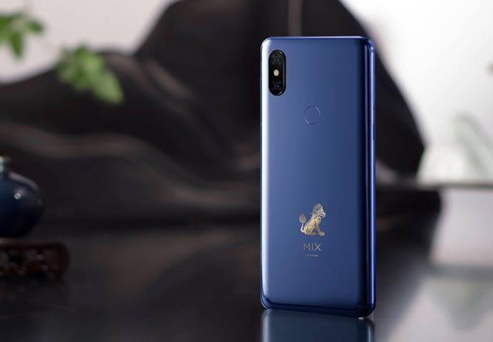 Chi tiet Xiaomi Mi Mix 3 - man hinh tran vien, camera truot bang tay hinh anh 9