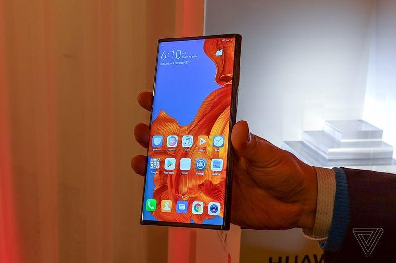 Smartphone man hinh gap co the chet tu trung nuoc boi Samsung, Huawei hinh anh 3