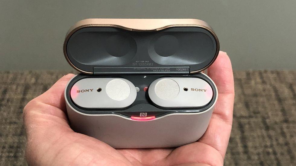 Sony tung 'ke tieu diet AirPods 2' - co chong on chu dong, gia 230 USD hinh anh 5