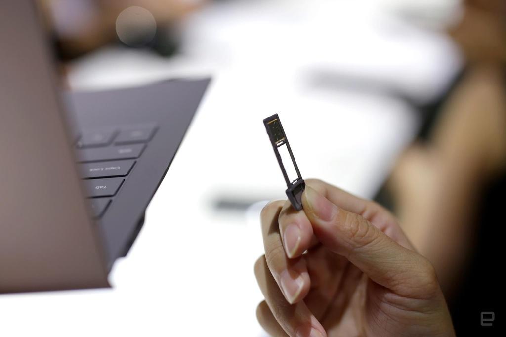 Galaxy Book S ra mat - lai giua smartphone va laptop, pin 23 tieng hinh anh 5