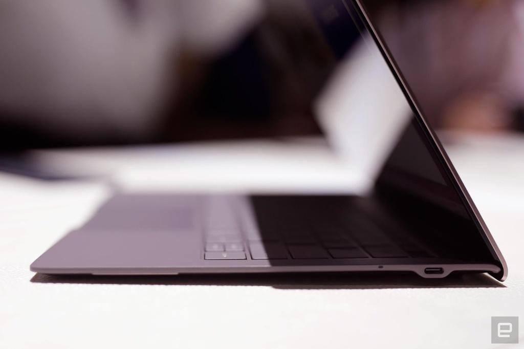Galaxy Book S ra mat - lai giua smartphone va laptop, pin 23 tieng hinh anh 6