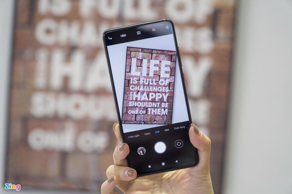 Xiaomi Mi 9T co xung dang ke nhiem 'ke pha gia' Pocophone F1? hinh anh 8