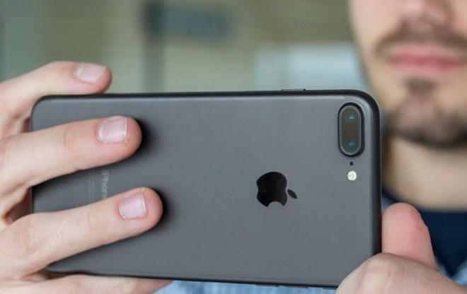 Bi khai tu, hang loat mau iPhone lai thanh chu luc cua Apple tai VN hinh anh 3