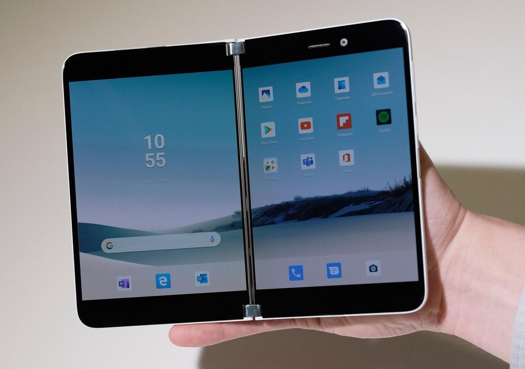 Chi tiet Surface Duo - di dong man gap, dep gon nhu cuon so hinh anh 3